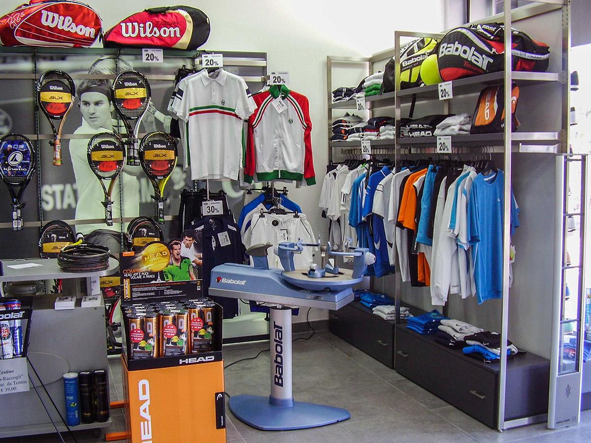 Moda espositori negozi abbigliamento vg91 pineglen for Arredamenti x negozi