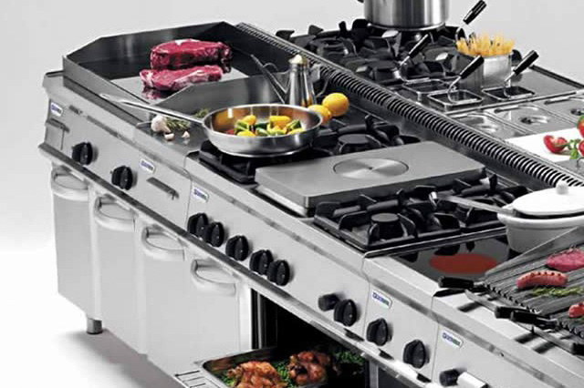 Attrezzature per cucine professionali ab arredamenti negozi - Cucine professionali per ristoranti ...