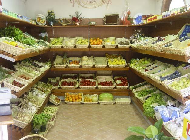 Arredo ortofrutta ab arredamenti negozi tivoli for Idee per arredare un negozio di frutta e verdura