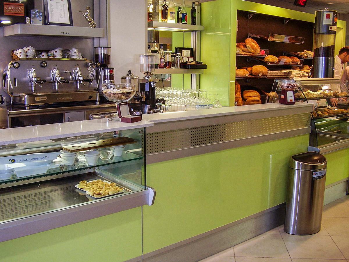 Arredamento panetterie e pizzerie ab arredamenti negozi for Ab arredamenti