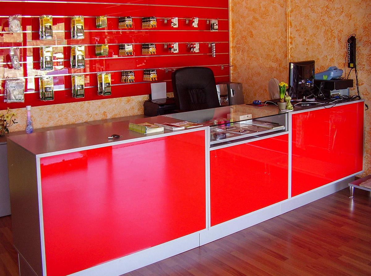 Banco Da Lavoro Per Telefonia : Arredo negozi di telefonia ed elettronica tivoli
